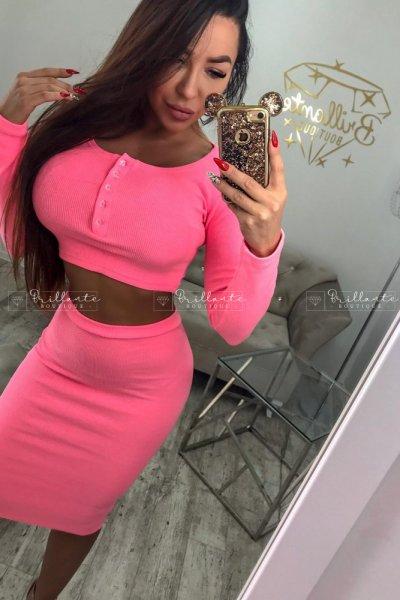 Komplet prążkowany z guzikami neon pink