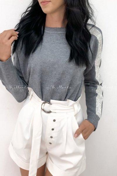 Szary sweterek sparkling