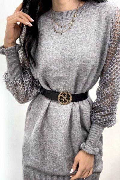 Dzianinowa sukienka z bufkami i rękawami z siateczki szara
