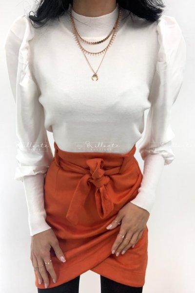 Bluzka z satynowymi bufkami biała