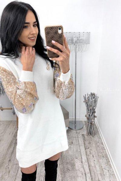 Sweterkowa sukienka z cekinowymi rękawami biała