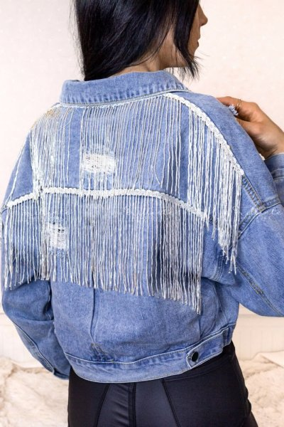 Jeansowa kurtka z frędzelkami