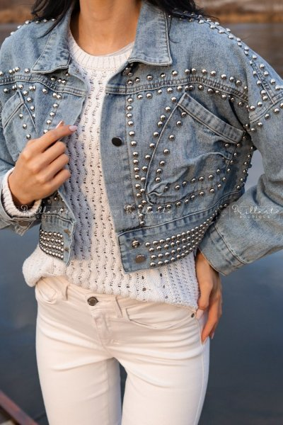 Jeansowa kurtka z ćwiekami